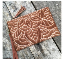 Load image into Gallery viewer, Carved Hide Clutch - Tan