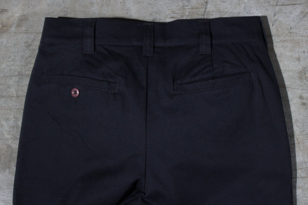 Men's black chino pants — Back — Waist Details
