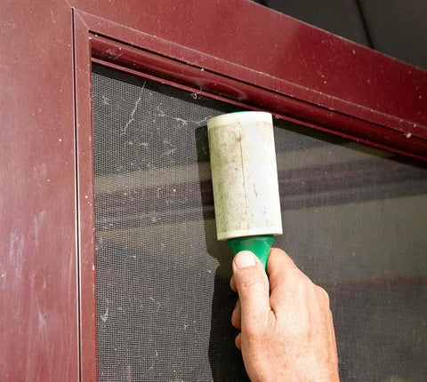 15 Genius Cleaning Hacks That Will Save You Time and Money screen door cleaning