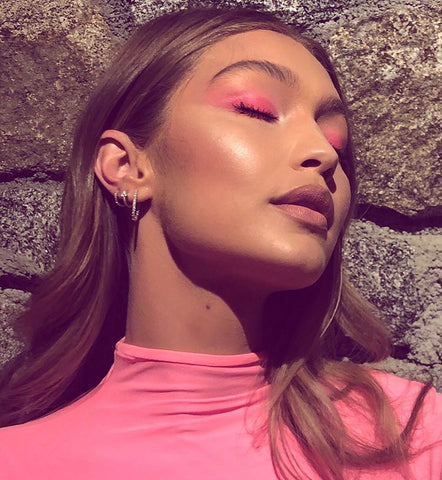 The Makeup Looks You Will See Everywhere in 2019 Gigi Hadid wearing pink makeup