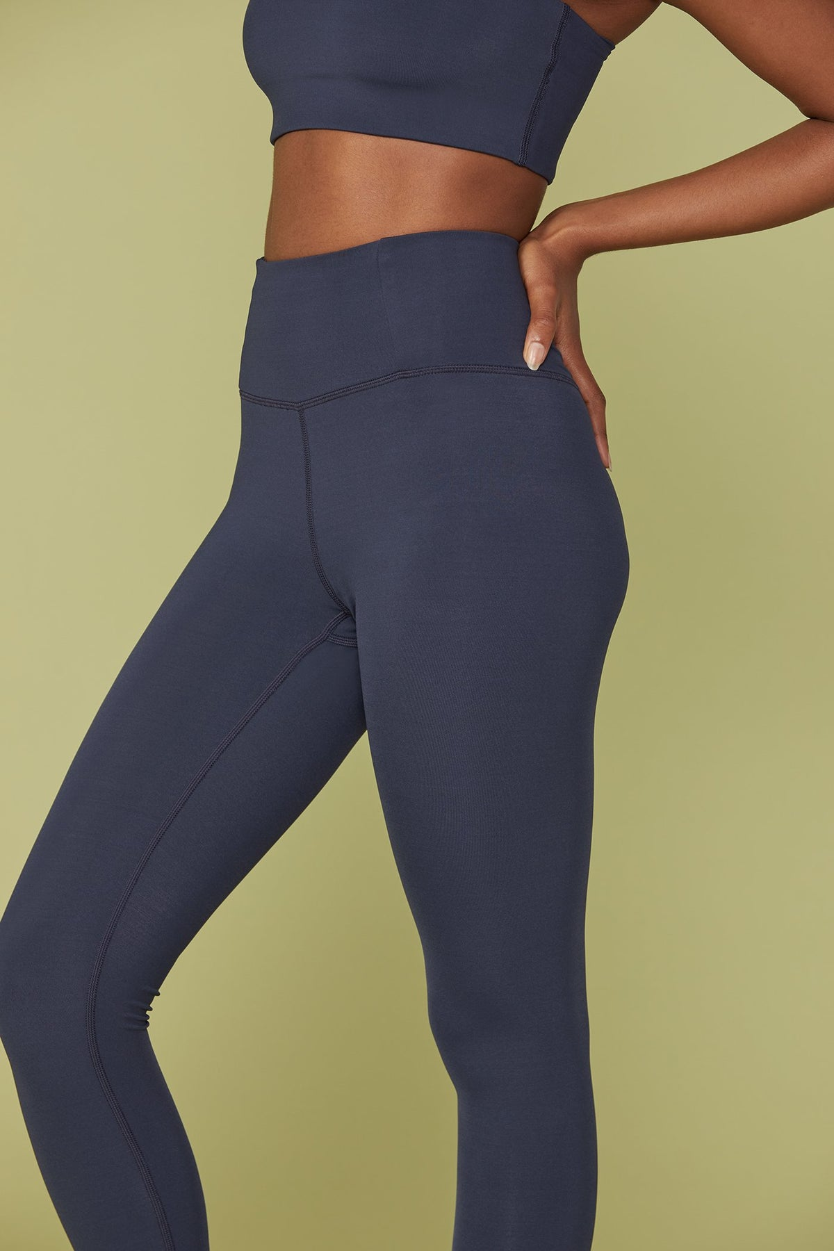 Midnight Seamless LITE High-Rise Legging Image