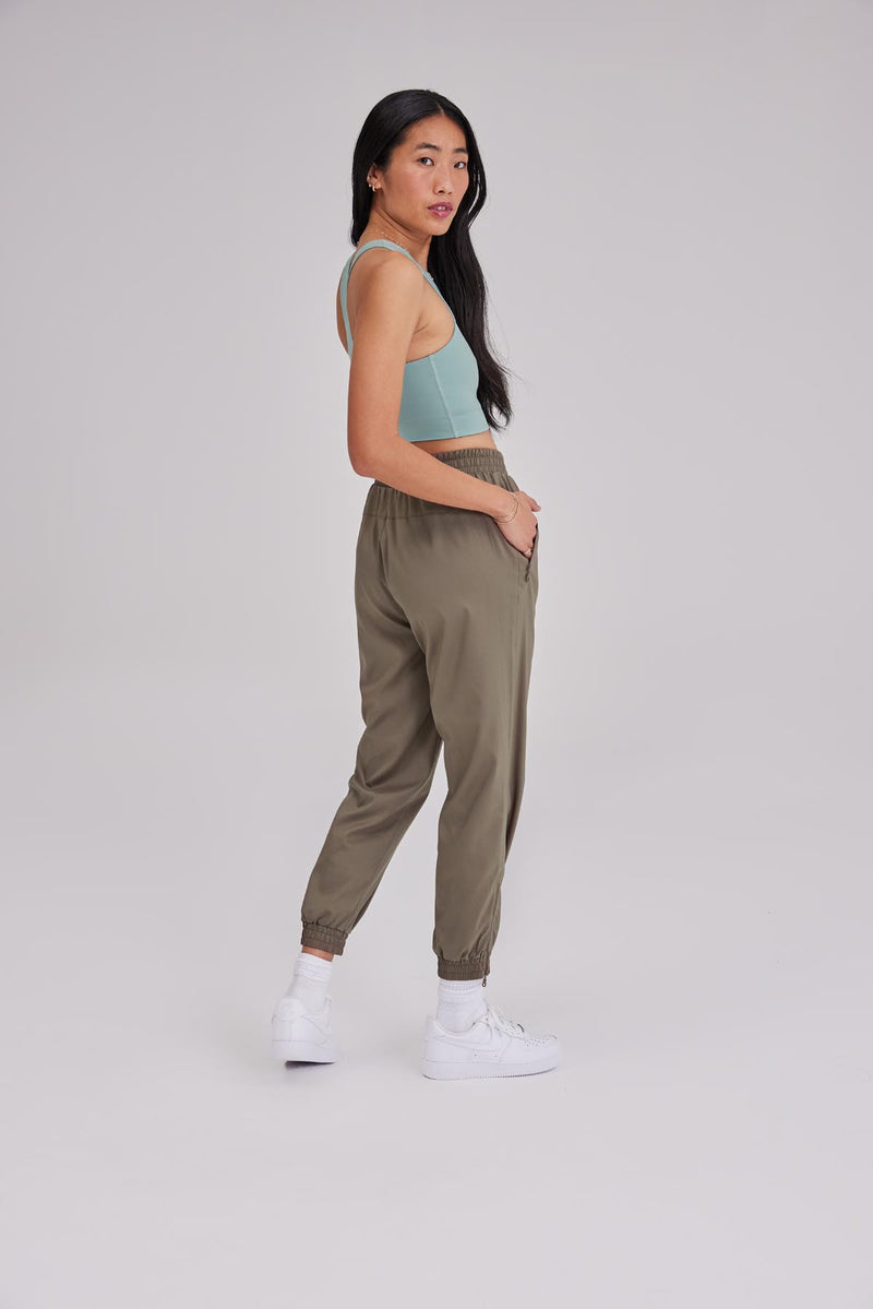 Shade Summit Track Pant