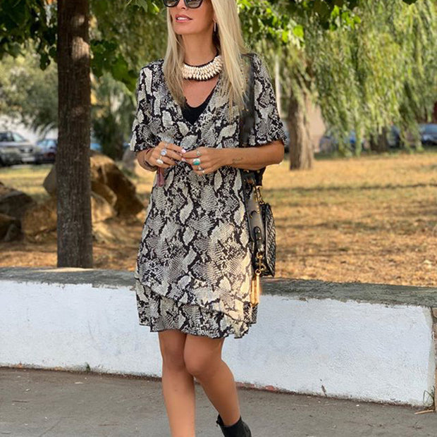 Fashion v-neck animal pattern stitching dress