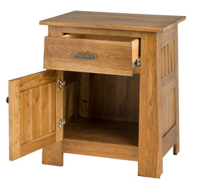 1 door, 1 drawer, 30″ high x 25″ wide Teton Nightstand in Calico Hickory