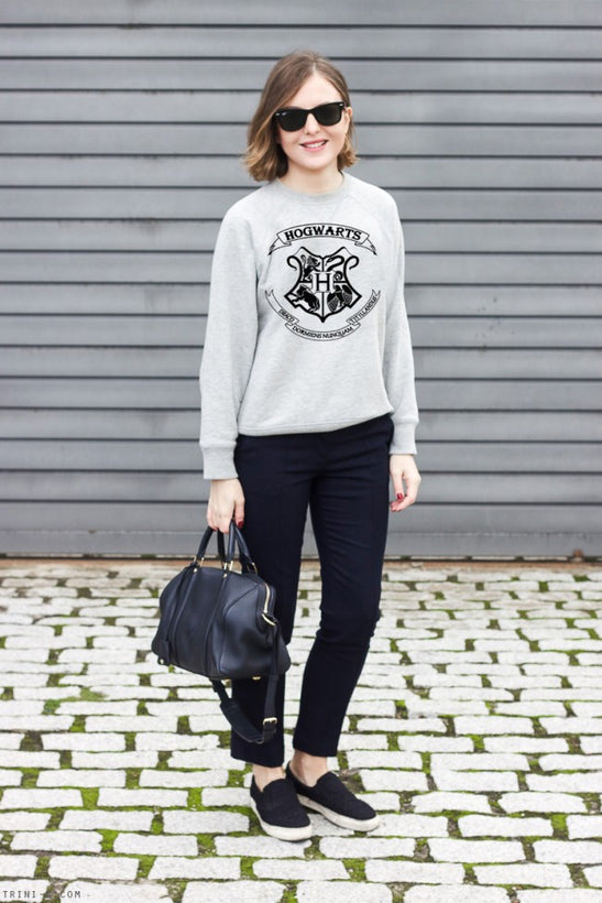 WOMAN GRAPHICS SWEATSHIRTS