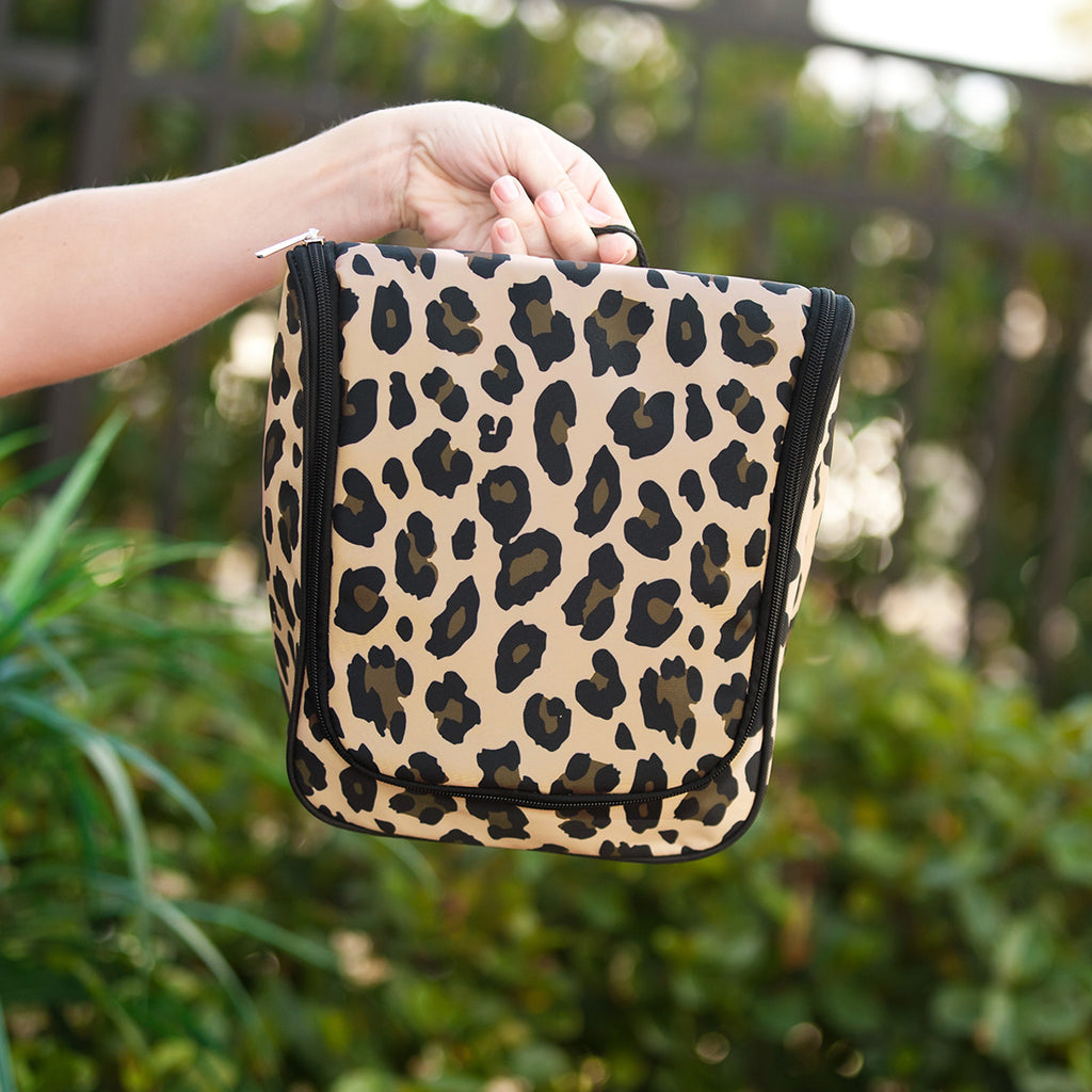 Wild Side Hanging Travel Case