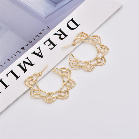 Fashion   Openwork Flower Earrings