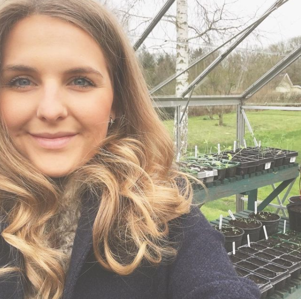 Lizzie Fox talks seedlings and pruning with Armadillo Sun