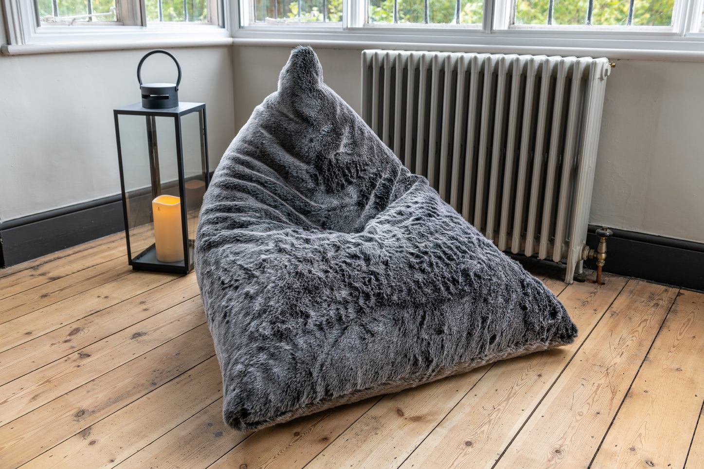 Luxury faux fur bean bag chair - Mountain Wolf