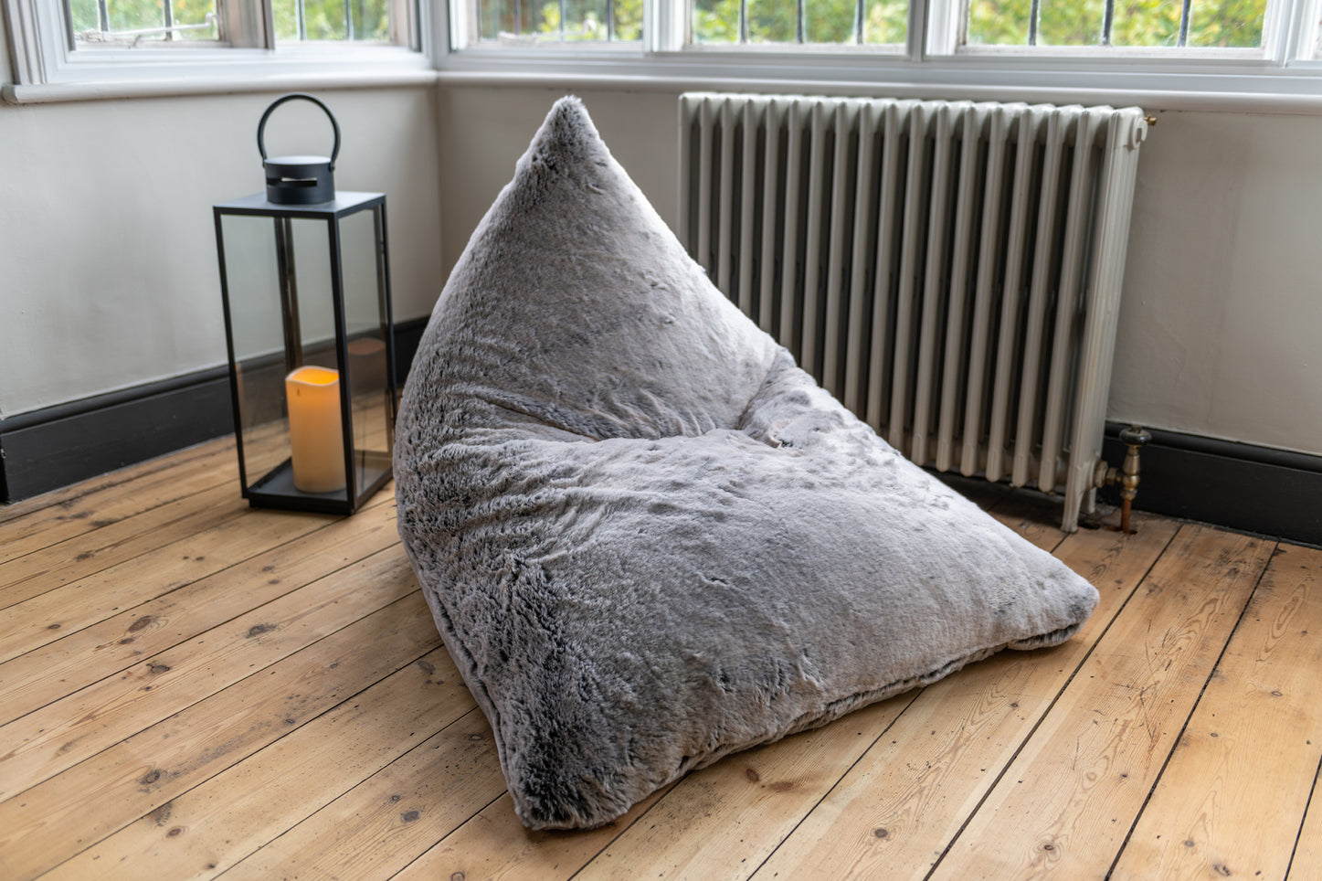 Luxury faux fur bean bag lounger - Mountain Wolf Grey