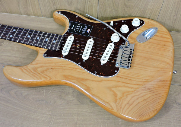 Fender American Ultra Stratocaster Aged Natural ASH RW
