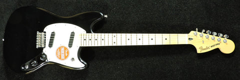 Fender Mustang Black. Maple neck