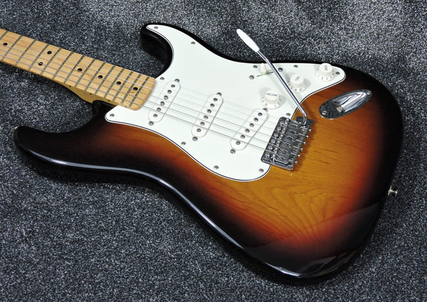 Fender Standard Stratocaster 3 colour Sunburst 2013 - Used