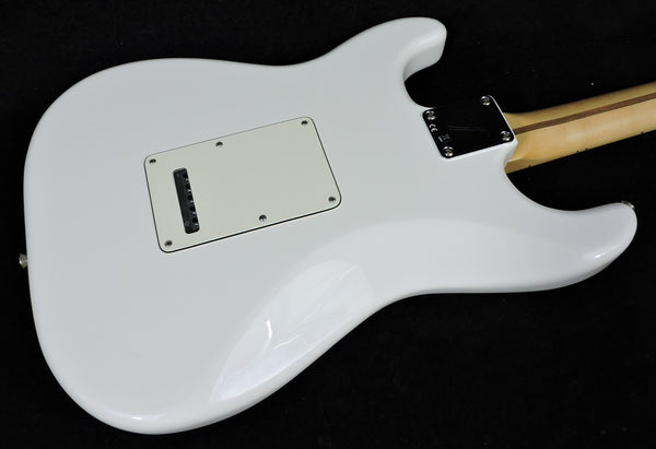 Fender Player Stratocaster HSS Polar White Maple Neck