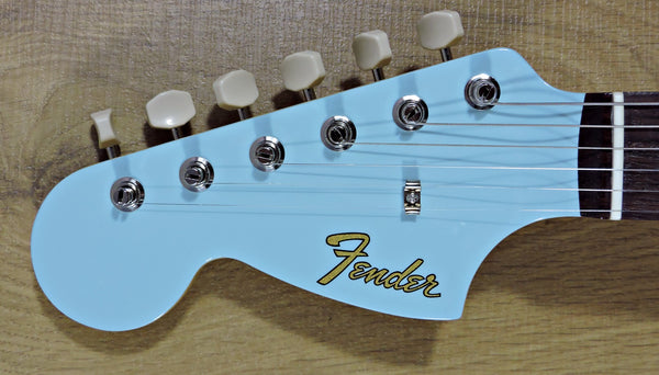 Fender Limited Edition MIJ Traditional '60s Mustang Left-Handed Sonic Blue