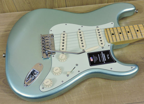 Fender American Professional II Stratocaster. Mystic Surf Green MN