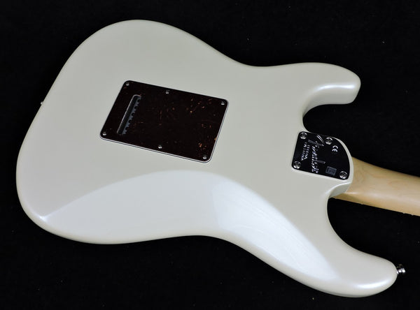 Fender American Elite Stratocaster. HSS Shawbucker. Olympic Pearl. Rosewood neck - Marked