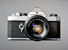 Load image into Gallery viewer, Vintage Camera