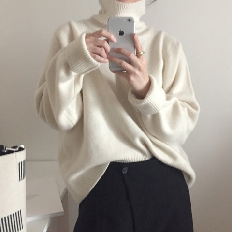 Elegant stitching turtleneck sweater