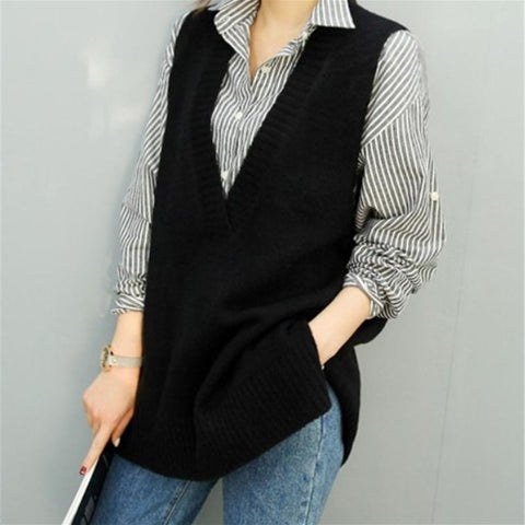 Classic long loose v-neck sleeveless sweater