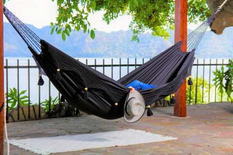 https://limboimports.com/collections/100-cotton-hammock-chairs