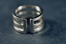 Tredelad ring i silver