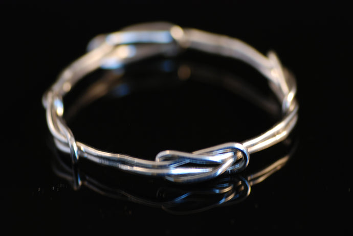 Råbansknopsarmband / Bangle with reef knots