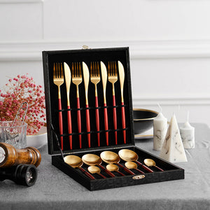 Red Gold Dinner Set