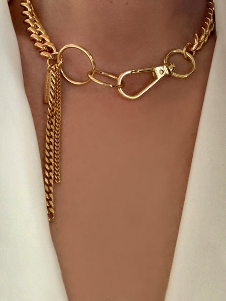 Coup de Coeur Gold Curb Chain Hoop Link Necklace