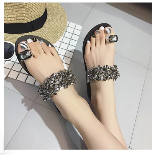Chun-hwa Sequins Sandals
