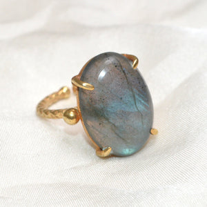 Golden Ring. Natural Stones