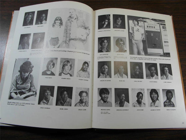 1982 FRANKLIN HIGH SCHOOL Seattle WA Original YEARBOOK Annual The Tolo