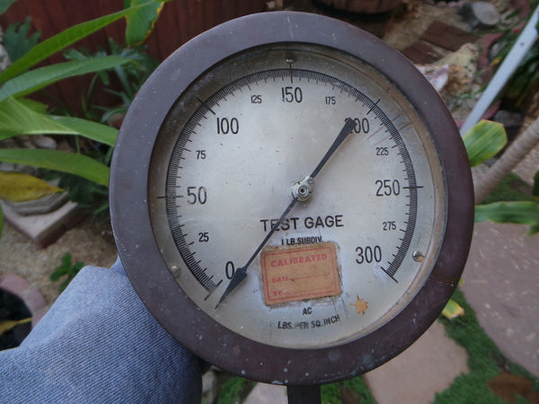 Vintage CROSBY TEST GAUGE 300 PSI 1 Lb. Subdivision Heavy Steampunk 7 inches