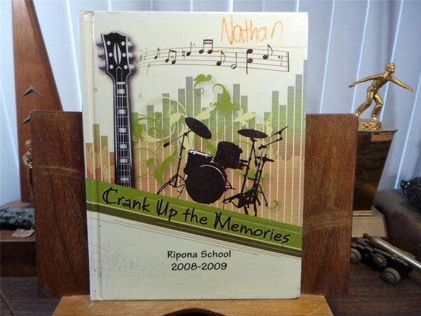 2009 RIPONA SCHOOL Ripon California Original YEARBOOK Annual Mustangs