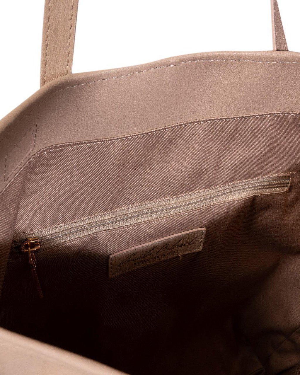 TRAVEL NAPPA PLEATED SHOULDER BAG