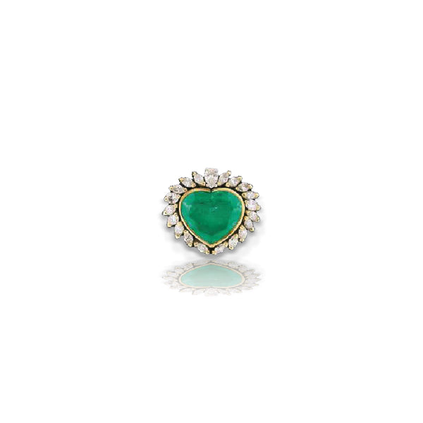 Heart-Shaped Emerald Statement Ring with Surrounding Diamond Teardrops