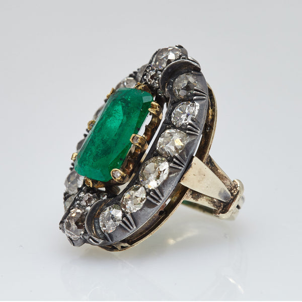 Van Cleef & Arpels Victorian White Gold Ring with Rectangular Cut Emeralds and Diamonds
