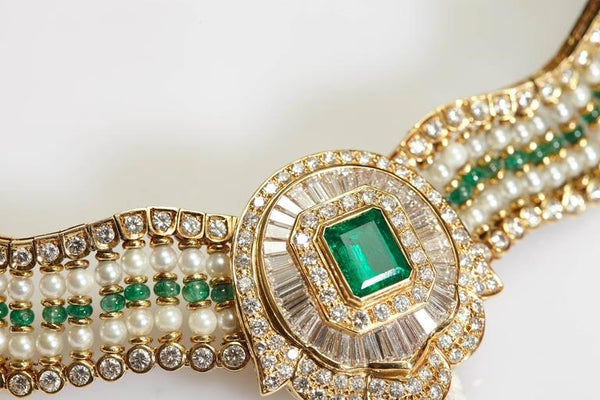 Exquisite Emerald Diamond and Pearl Necklace