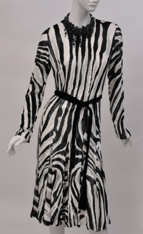 TOM FORD BLACK AND WHITE ZEBRA FIL COUPE PLEATED DRESS