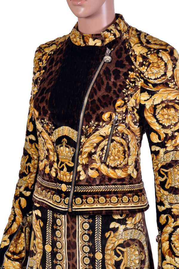 VERSACE ANIMAL BAROCCO PRINTED VELVET JACKET and SKIRT SUIT