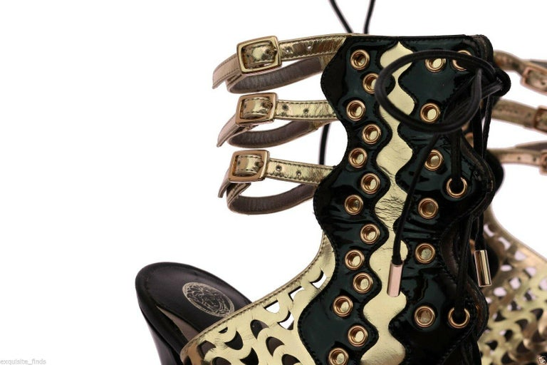 New VERSACE GOLD PERFORATED LEATHER ANKLE BOOTS Size 40
