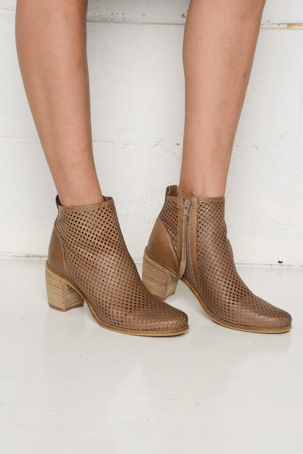 Cimmy Brown Leather Boot - vendor-unknown - Blue Bungalow Online