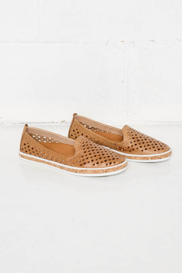 Grace Camel Leather Shoe - vendor-unknown - Blue Bungalow Online