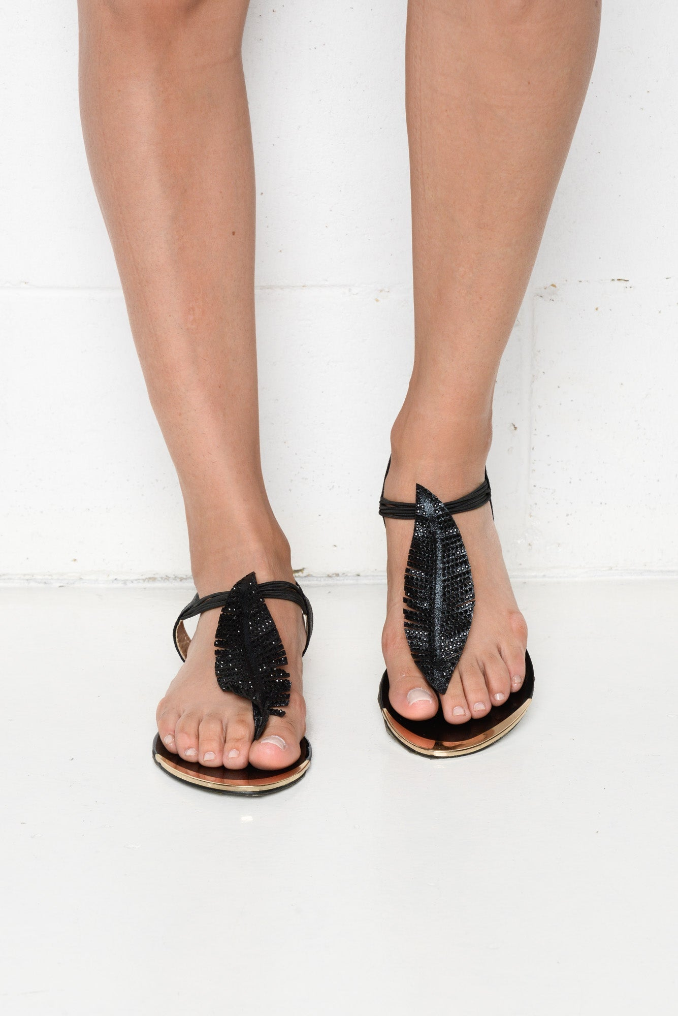 Black Autumn Leaf Sandal - Blue Bungalow