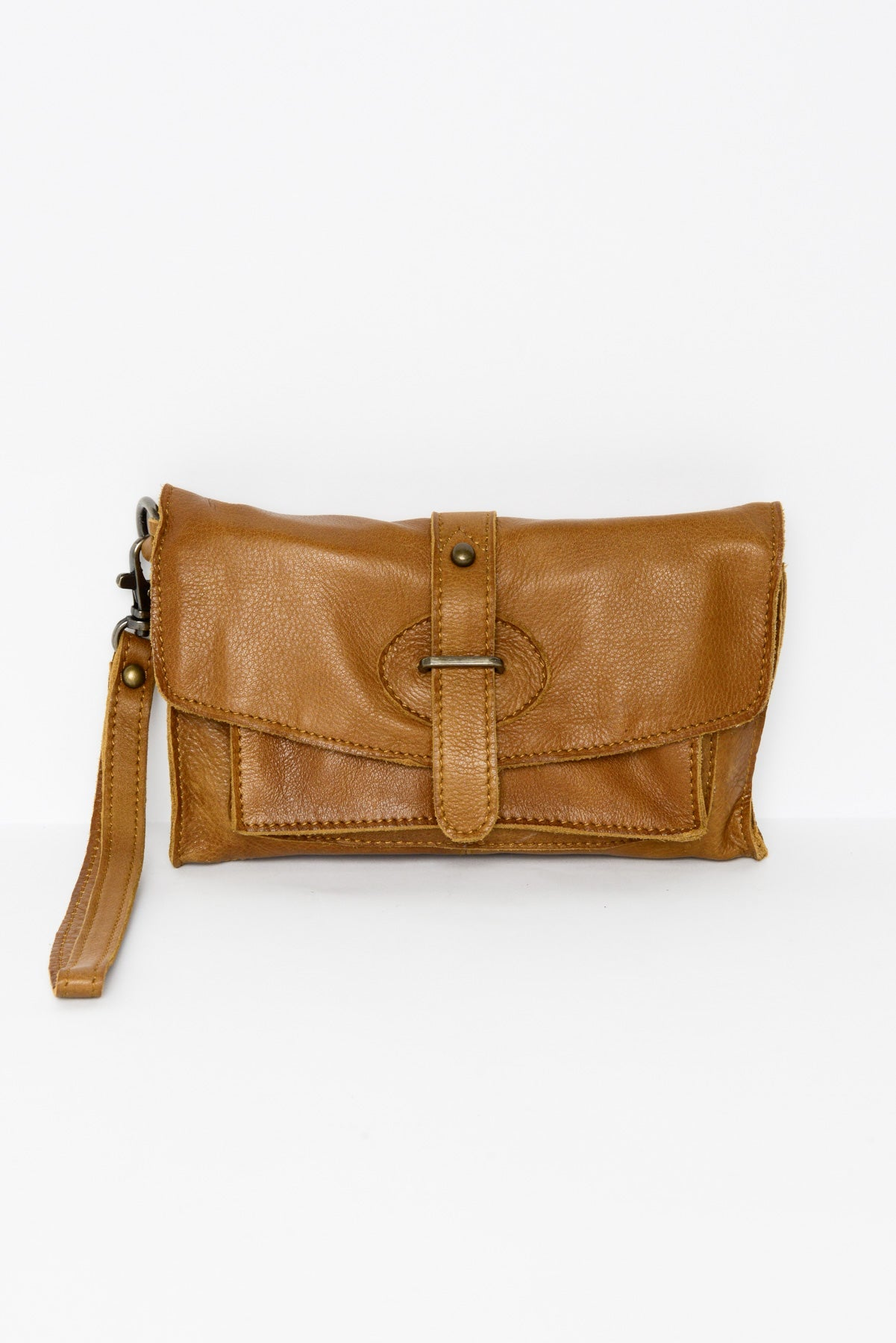 Amelia Tan Leather Clutch - Blue Bungalow