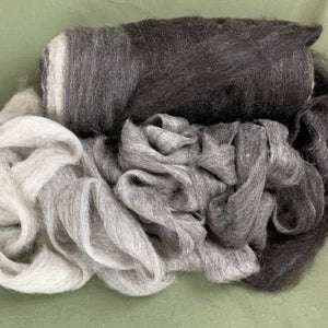 Icelandic Wool Ombre Roving - Variegated Natural Color