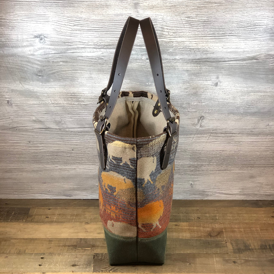 Medium Wool Busy Bee Tote