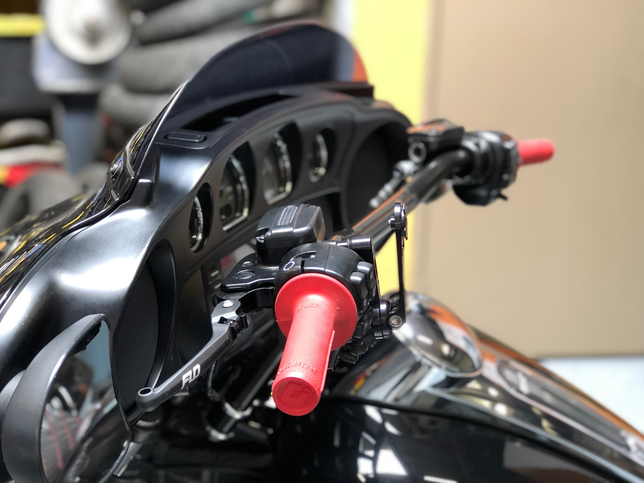 FLO HARLEY TOURING MODELS MX STYLE LEVERS 17 - UP