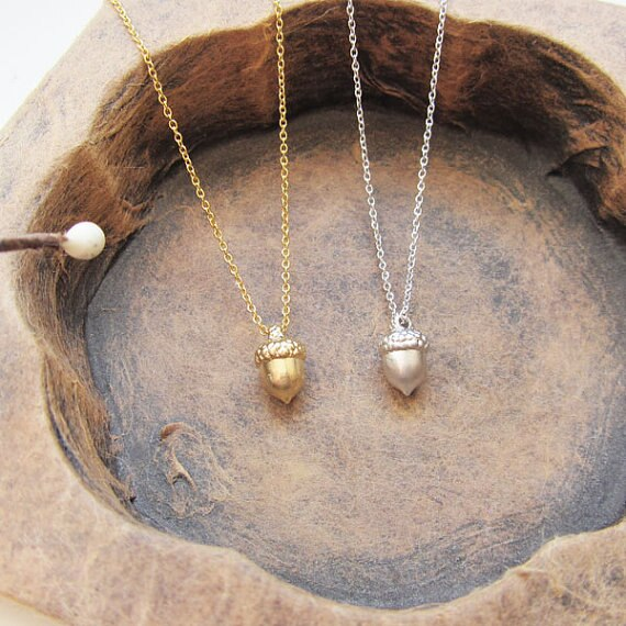 Dainty Acorn Necklace - Jala & Noor Unique Gardening and Home Products