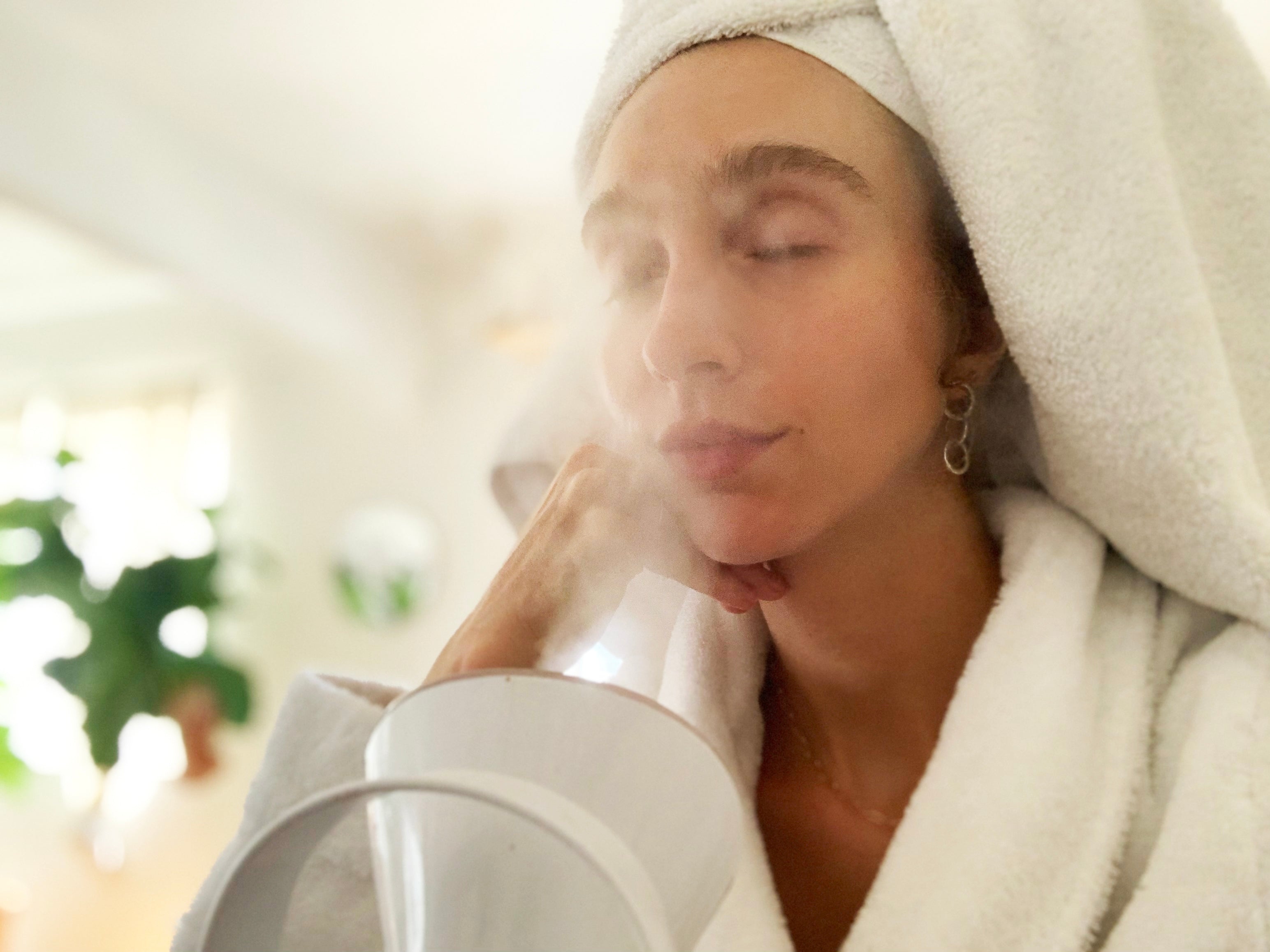 How to Give Yourself a Spa-Worthy At-Home Facial